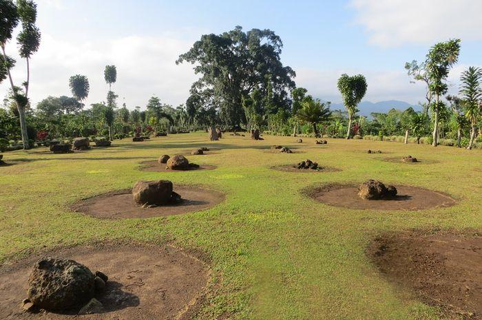 Situs Megalitikum Batu Berak